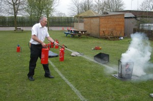 Using a Water Extinguisher 2